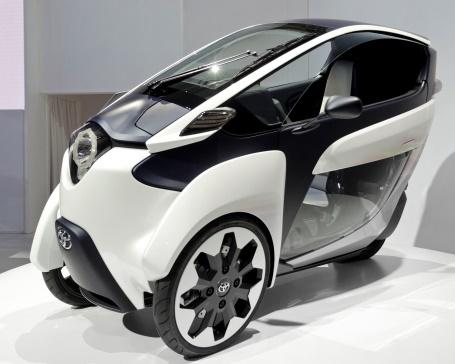 Un véhicule Toyota fort étrange : i-Road