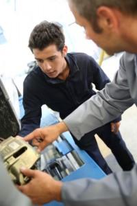 Paul Baribeau : un instructeur mécanique qui fait la fierté de l'École de l'Automobile