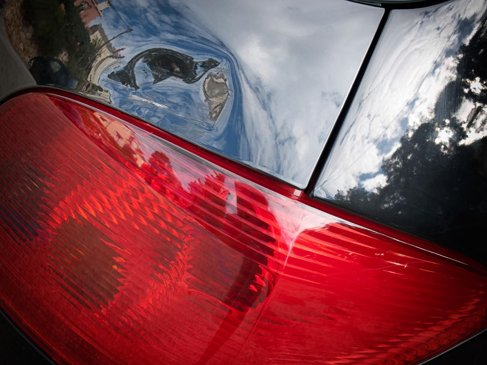 Guide pour l'estimateur en dommages: le débosselage sans peinture de la carrosserie d'une auto