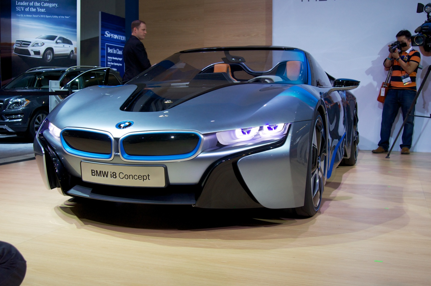 amateur de belles m caniques voici la nouvelle bmw i8 spyder. Black Bedroom Furniture Sets. Home Design Ideas
