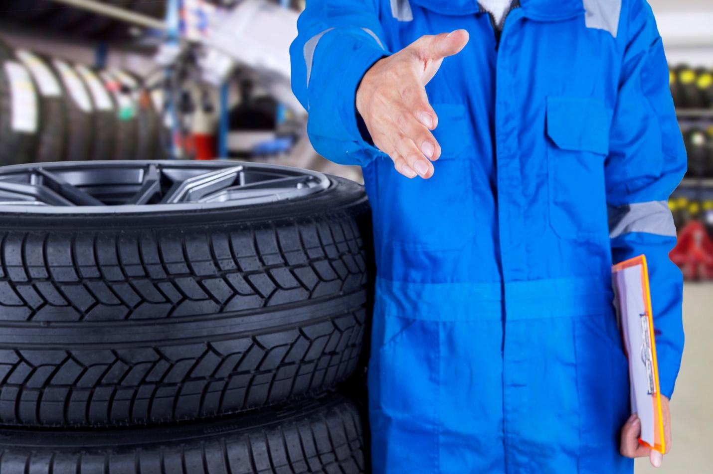 Vente de pneus: ce que les commis aux pièces doivent savoir pour demeurer compétitif