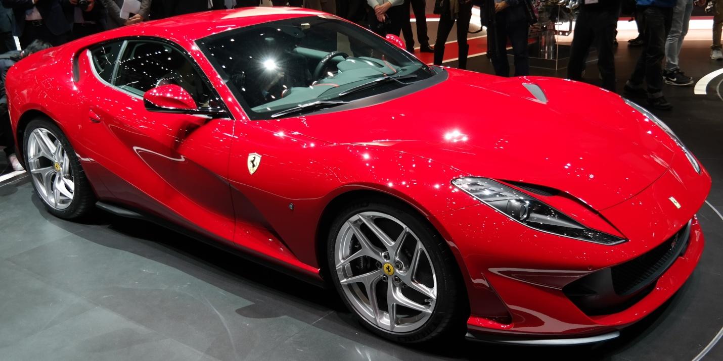 La nouvelle Ferrari 812 Superfast : un concentré de style et de puissance