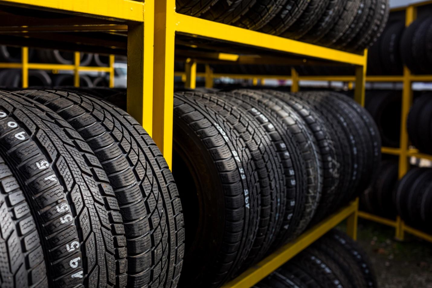 Ce qu'il faut savoir sur les pneus intelligents pour les commis aux pièces