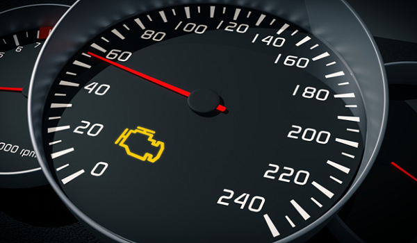 Voyant « check engine »: coup d'œil sur les raisons pour lesquelles il peut s'allumer