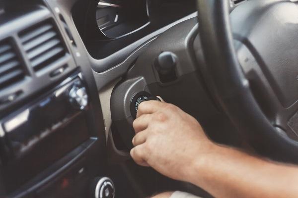 Ce qu'il faut savoir sur le projet d'inspection des autos de huit ans et plus
