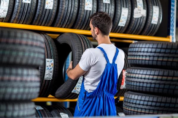 Entreposage des pneus: coup d'œil sur les différentes techniques