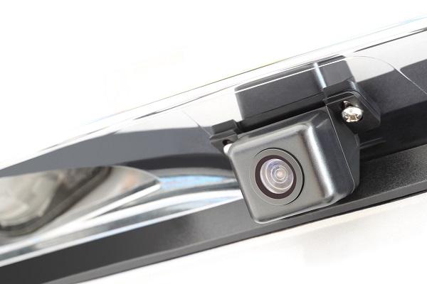 Caméras de recul: un équipement désormais obligatoire au Canada