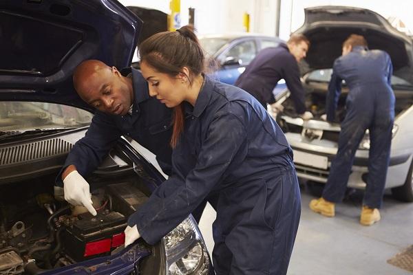 Ce qu'il faut savoir sur le marché du travail dans le secteur de la mécanique au Canada