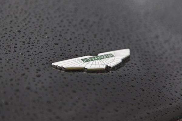 Étudiants en mécanique auto, voici l'exceptionnelle Aston Martin Valhalla!