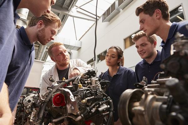 Comment choisir son école de mécanique automobile?