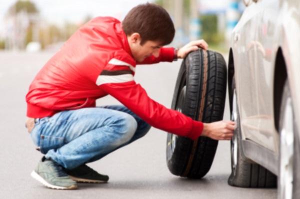 Pourquoi trouve-t-on de moins en moins de roue de secours sur les nouveaux véhicules?