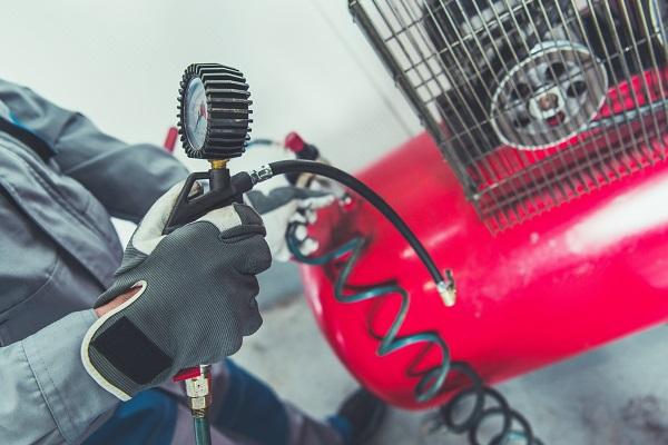 Tout savoir sur le compresseur d'air, accessoire indispensable en atelier de mécanique
