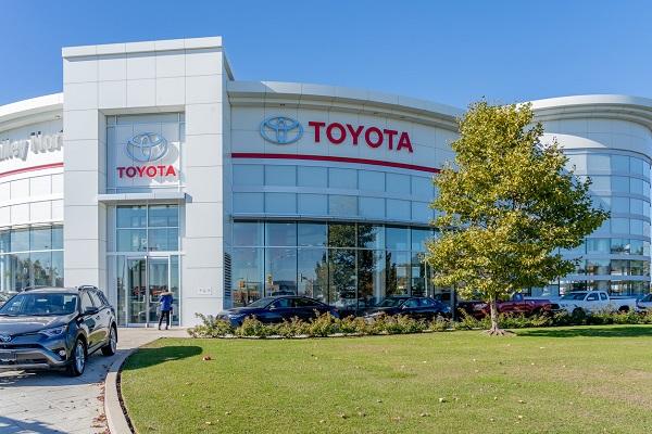 Étudiants en mécanique auto voici le Toyota RAV4 Prime 2021