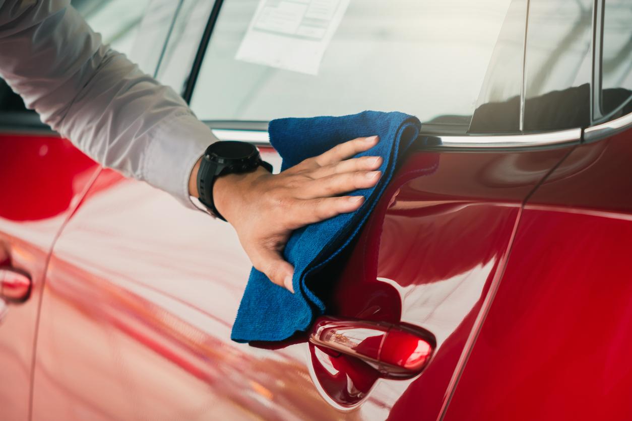 Esthétique auto: Quelles solutions pour nettoyer un véhicule sans abîmer la surface de la carrosserie
