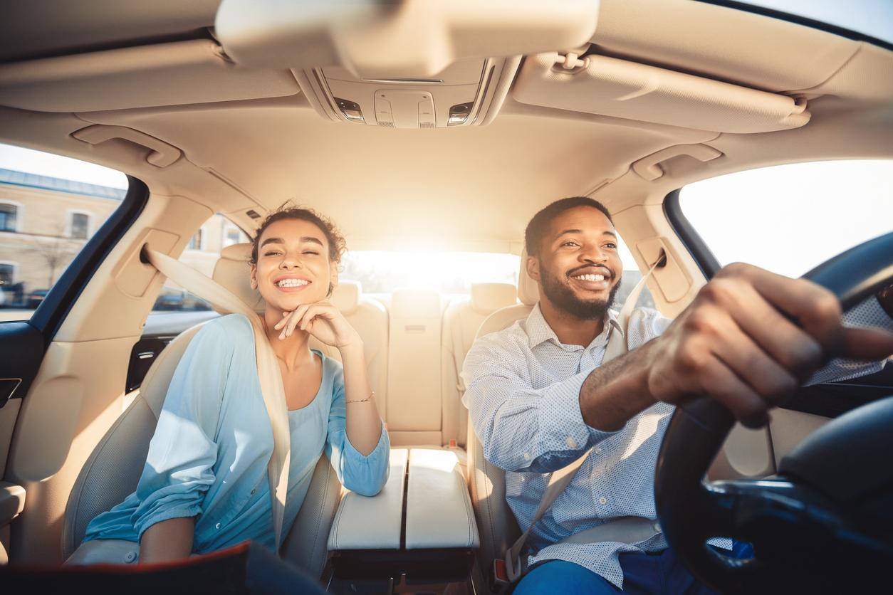 Étudiant en mécanique auto, voici tout ce qu'il faut savoir sur les habitudes des propriétaires de véhicules de 25 à 34 ans