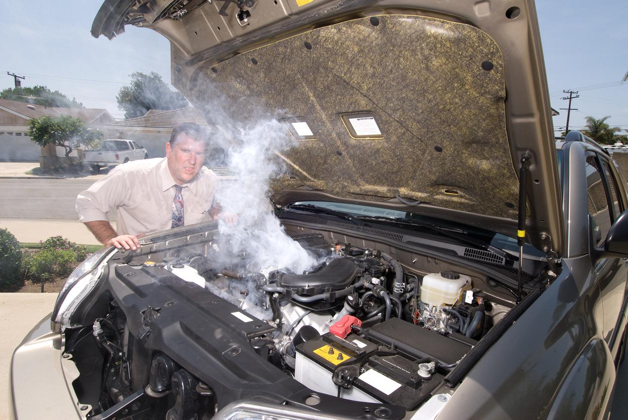 Surchauffe du moteur: ce que les étudiants en mécanique auto doivent savoir