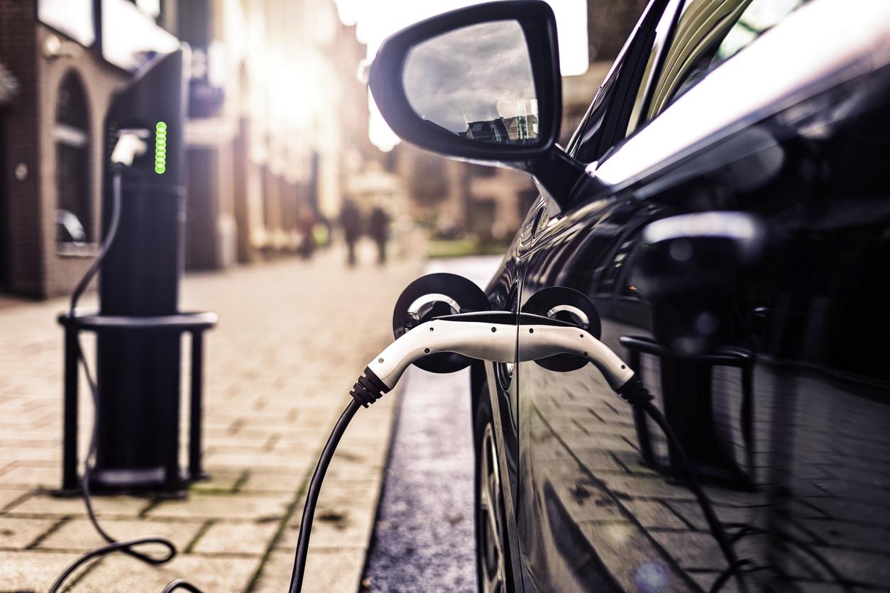 Mécanique électrique et hybride: tout savoir sur les opportunités et défis à relever