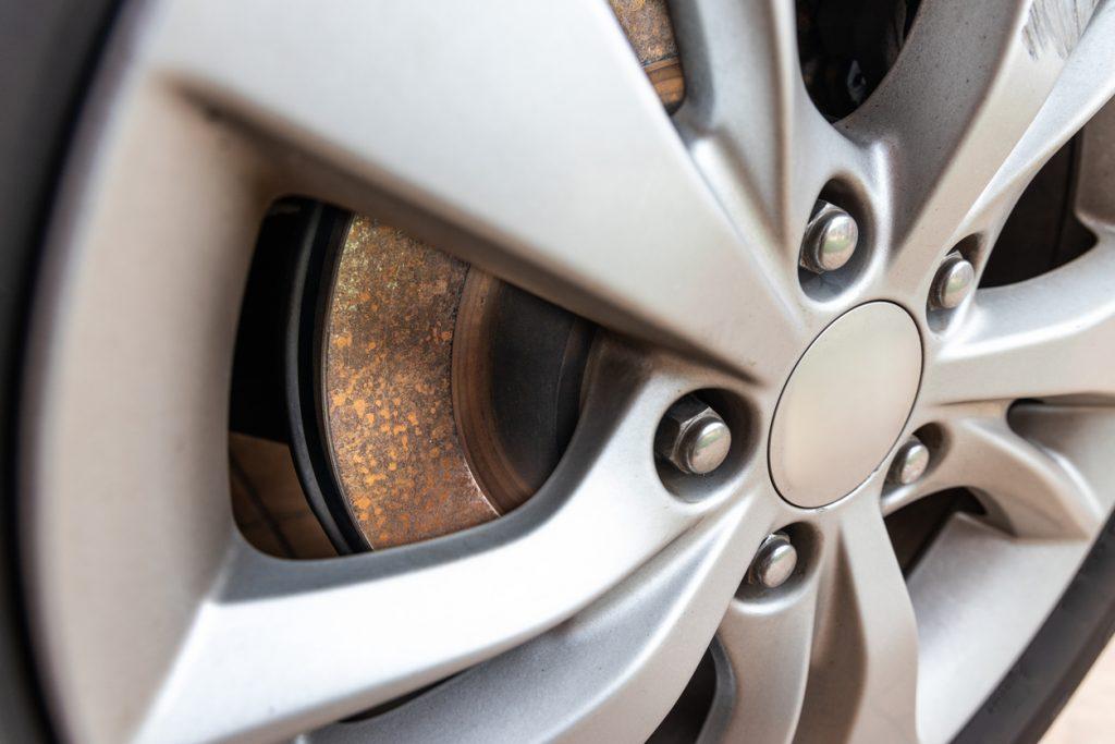 Ce qu'il faut savoir sur les sources de contamination possibles dans un système de freinage