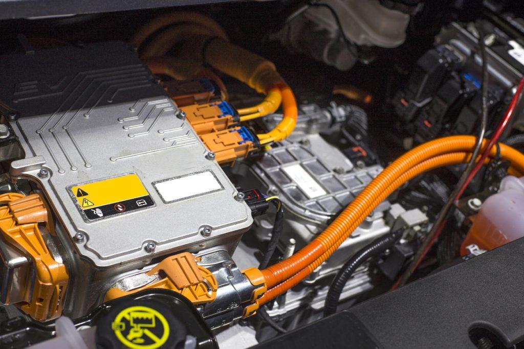 Apprendre la mécanique hybride et électrique en 2021 pour évoluer dans sa carrière