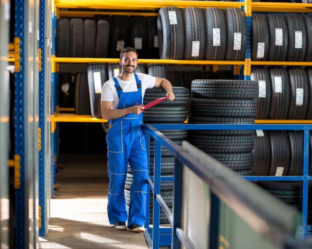 Centres de pneus: ce qu'il faut savoir sur leurs stratégies pour attirer et garder leurs talents