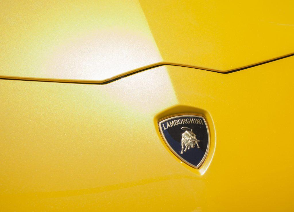 Étudiants en mécanique auto, découvre la toute puissante Lamborghini Countach