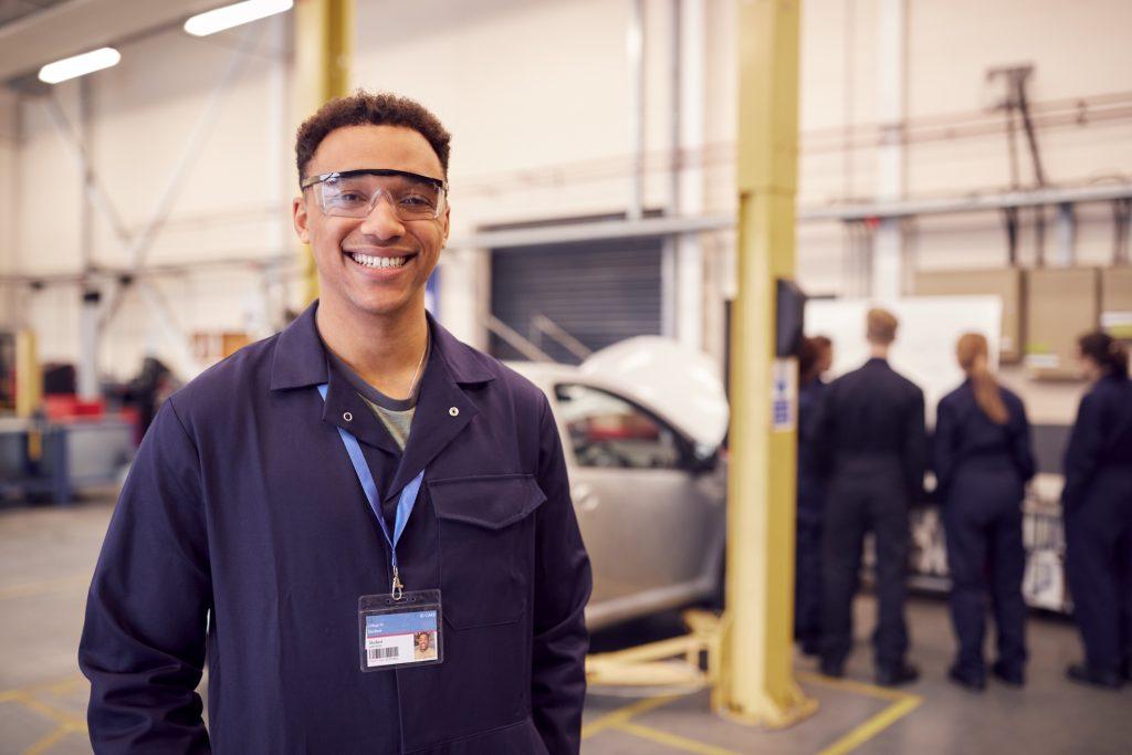 Pourquoi suivre une formation en mécanique automobile en 2021